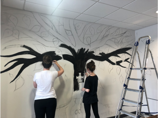 18/7/18 - Starting the painting of the tree and the leaves.
